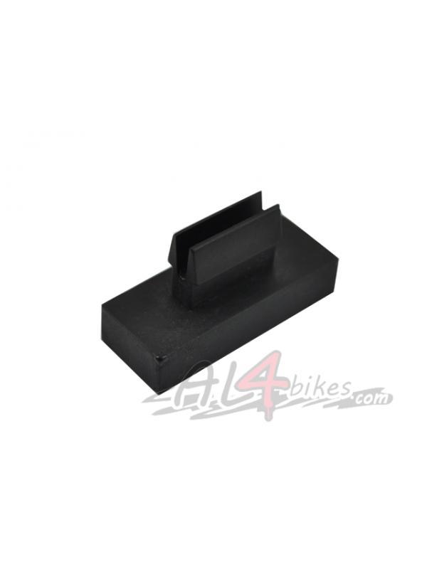 GOMA SEPARADOR DE PLACA PROTECTOR - Goma separador de placa protector.